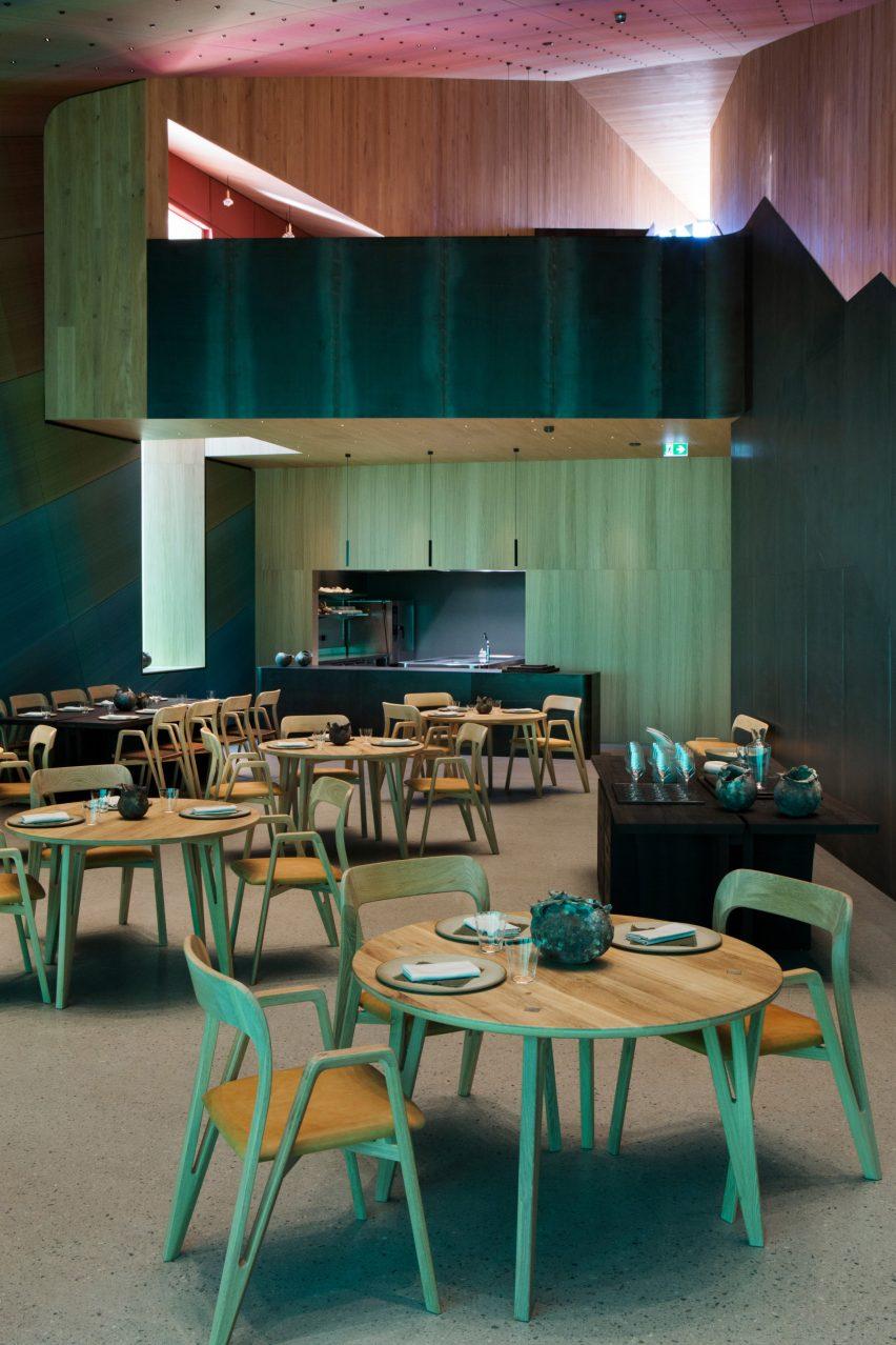 Restaurant Interieur Design.Snohetta Completes Europe S First Underwater Restaurant In