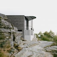 Espen Surnevik designs vacation home on steep cliff overlooking fjord