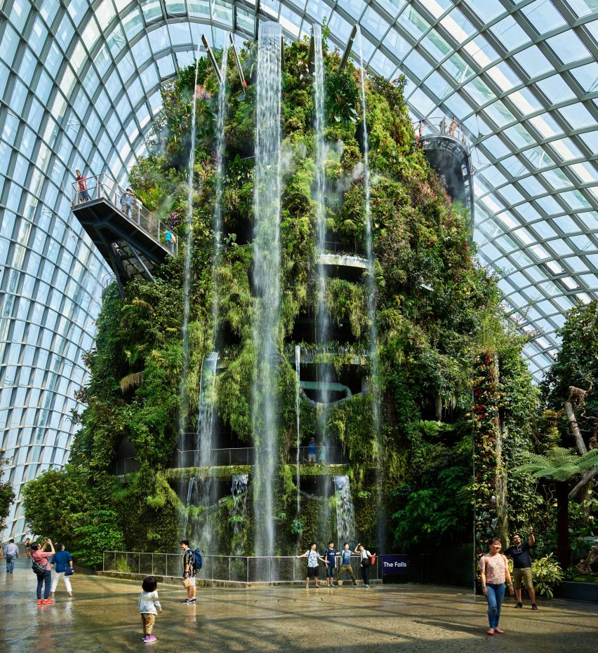Waterfall architecture: Gardens by the Bay