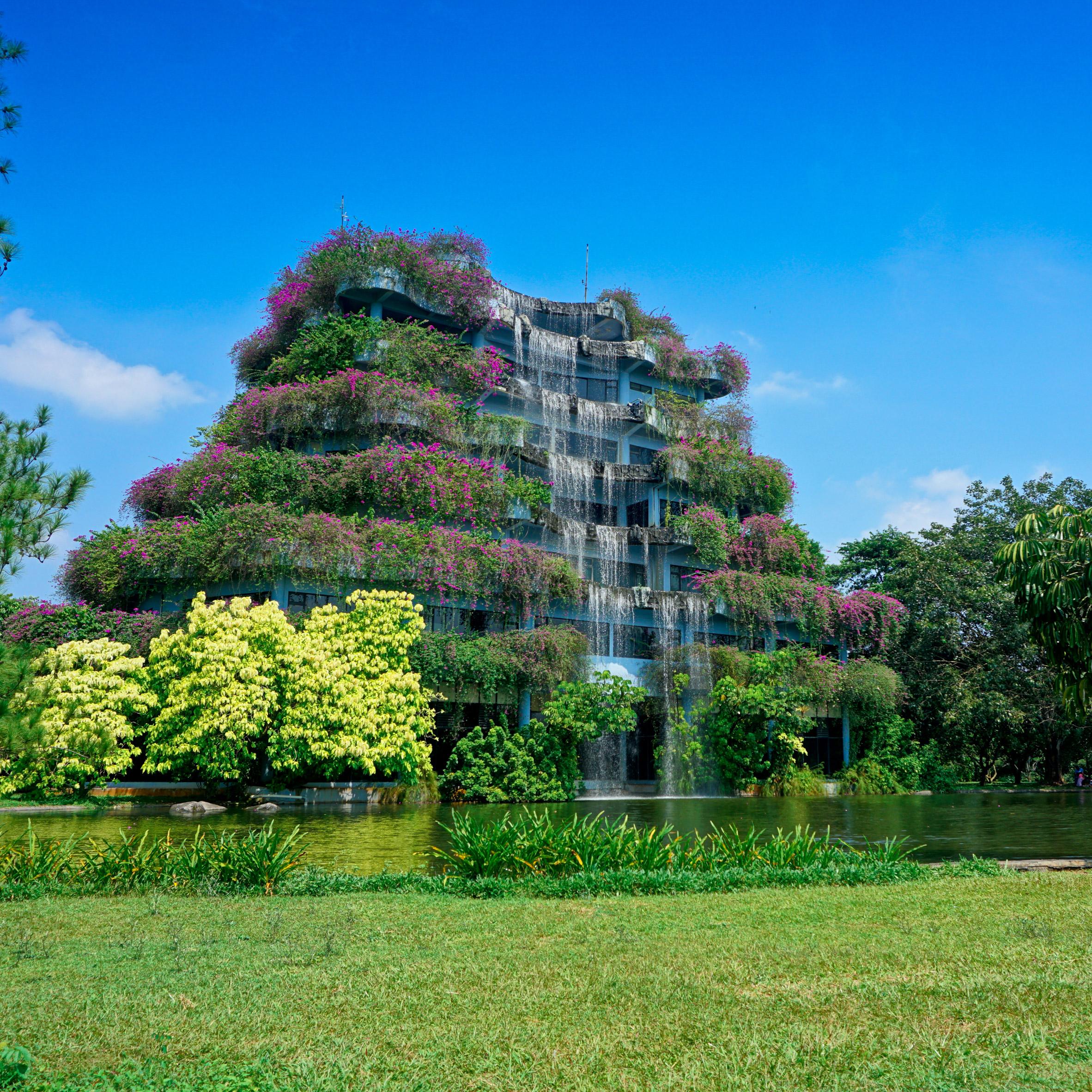 Waterfall architecture: Waterfall building