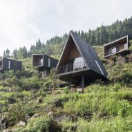 ZJJZ Atelier scatters 10 cabins across mountain in rural China