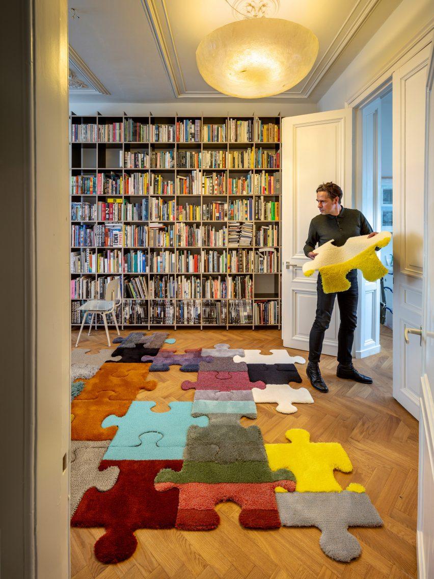 Carpet Sign Richard Hutten
