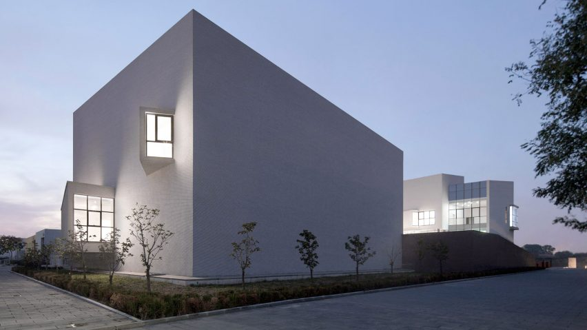 Spring Art Museum was designed by Di Shaohua. Photograph is by Xia Zhi
