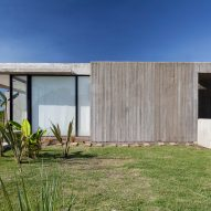 Casa Closed in La Plata Argentina by Felipe Gonzalez Arzac