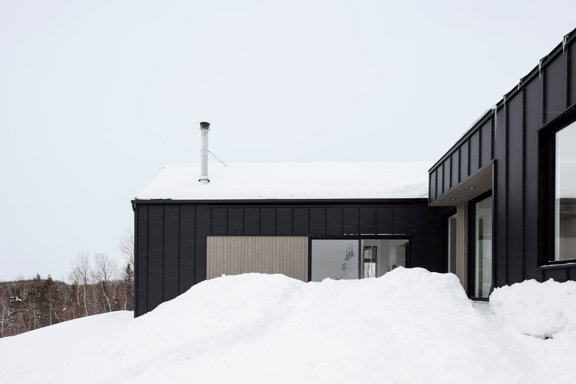 Chalet Du Bois Flotte Residence in Montreal Canada by Atelier Boom Town