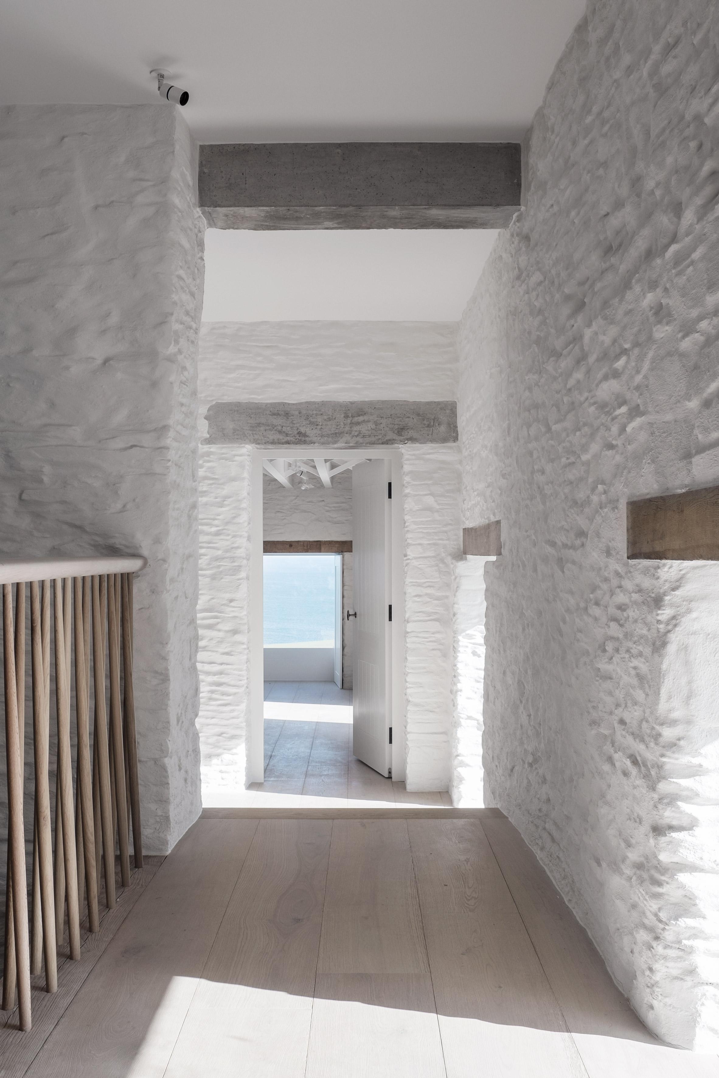 Coastal House by 6a Architects