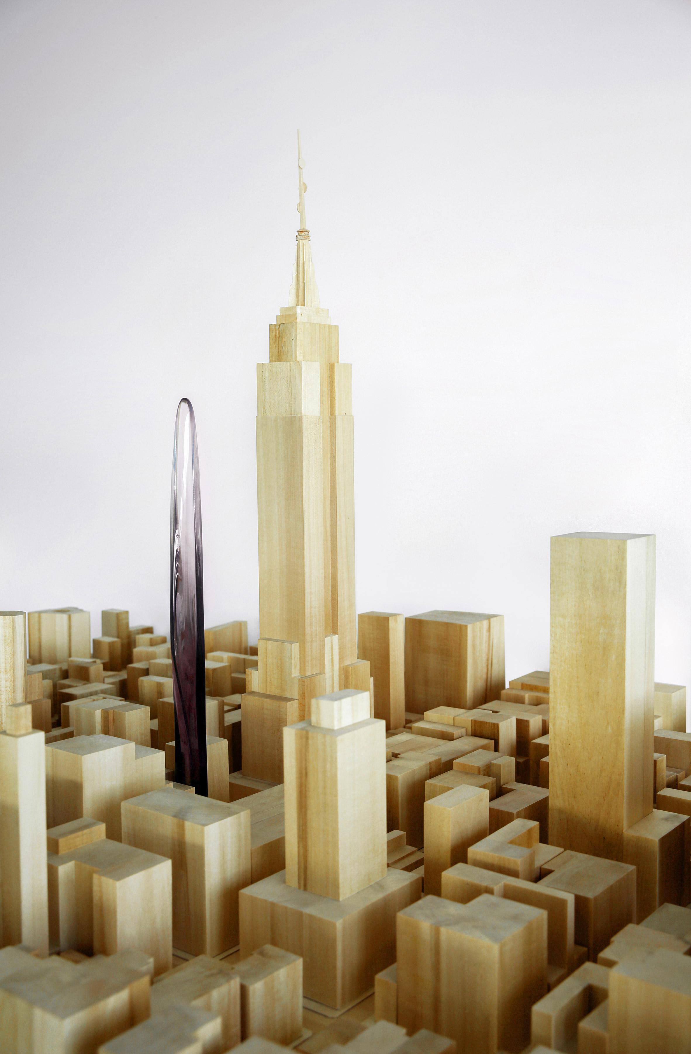 Минималистичный и утонченный профиль East 34th на фоне кубических гигантов Нью-Йорка