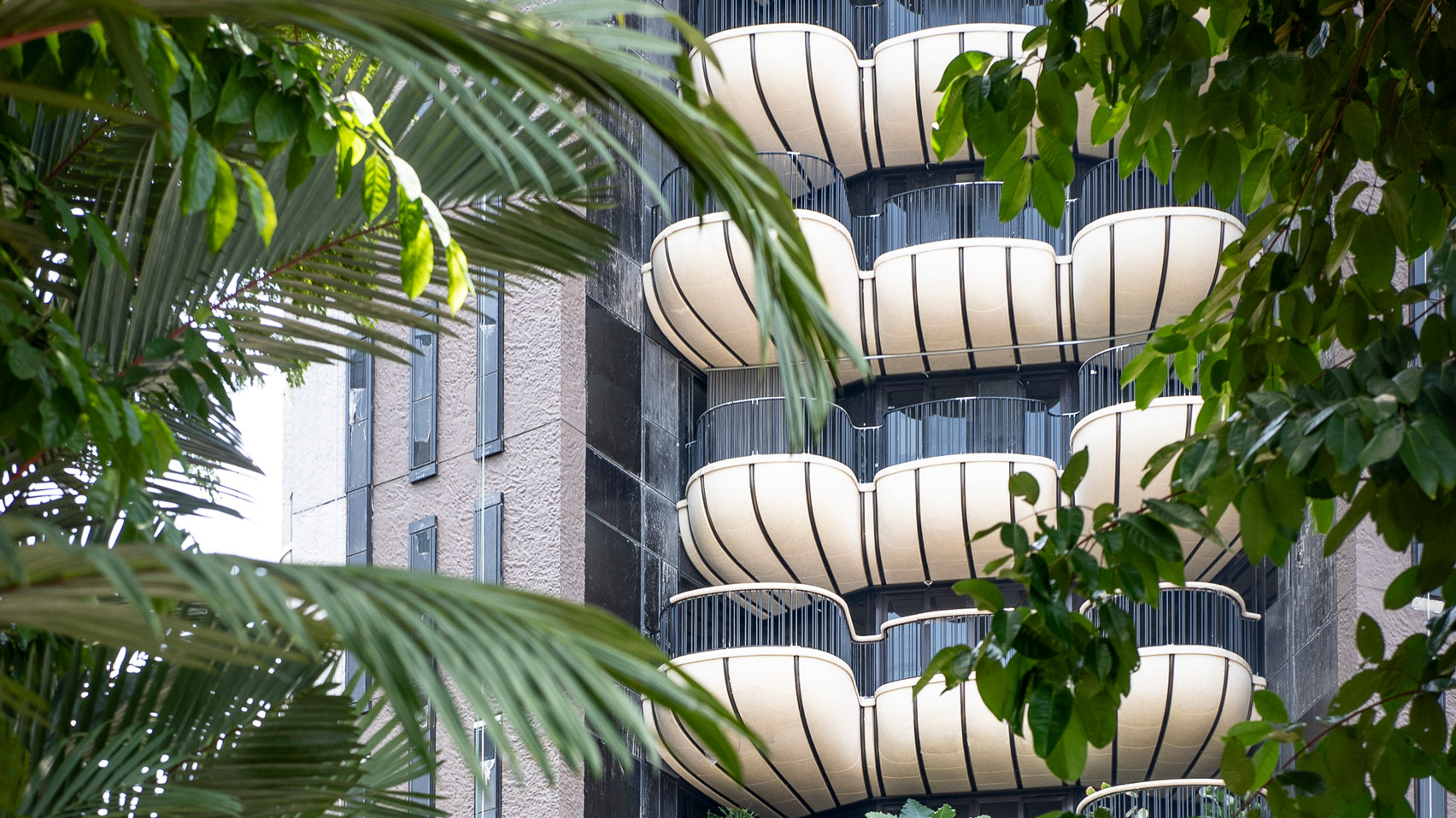 Heatherwick Studio Reveals First Images Of Plant Covered Singapore Tower