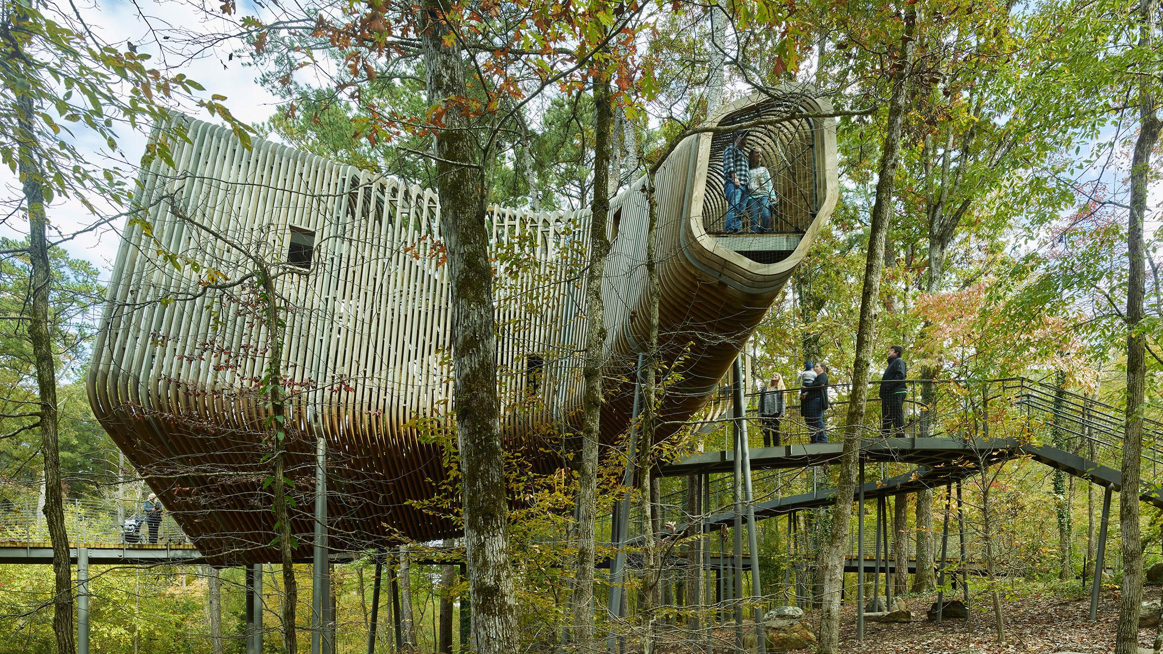 Slender Pine Slats Wrap Evans Tree House In Arkansas By ...