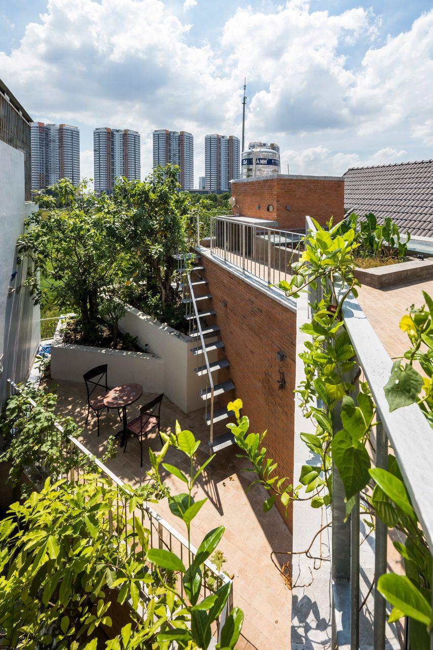 Ha House by VTN Architects
