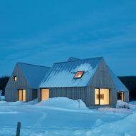 Hatley House Residence in Quebec, Canada by Pelletier De Fontenay