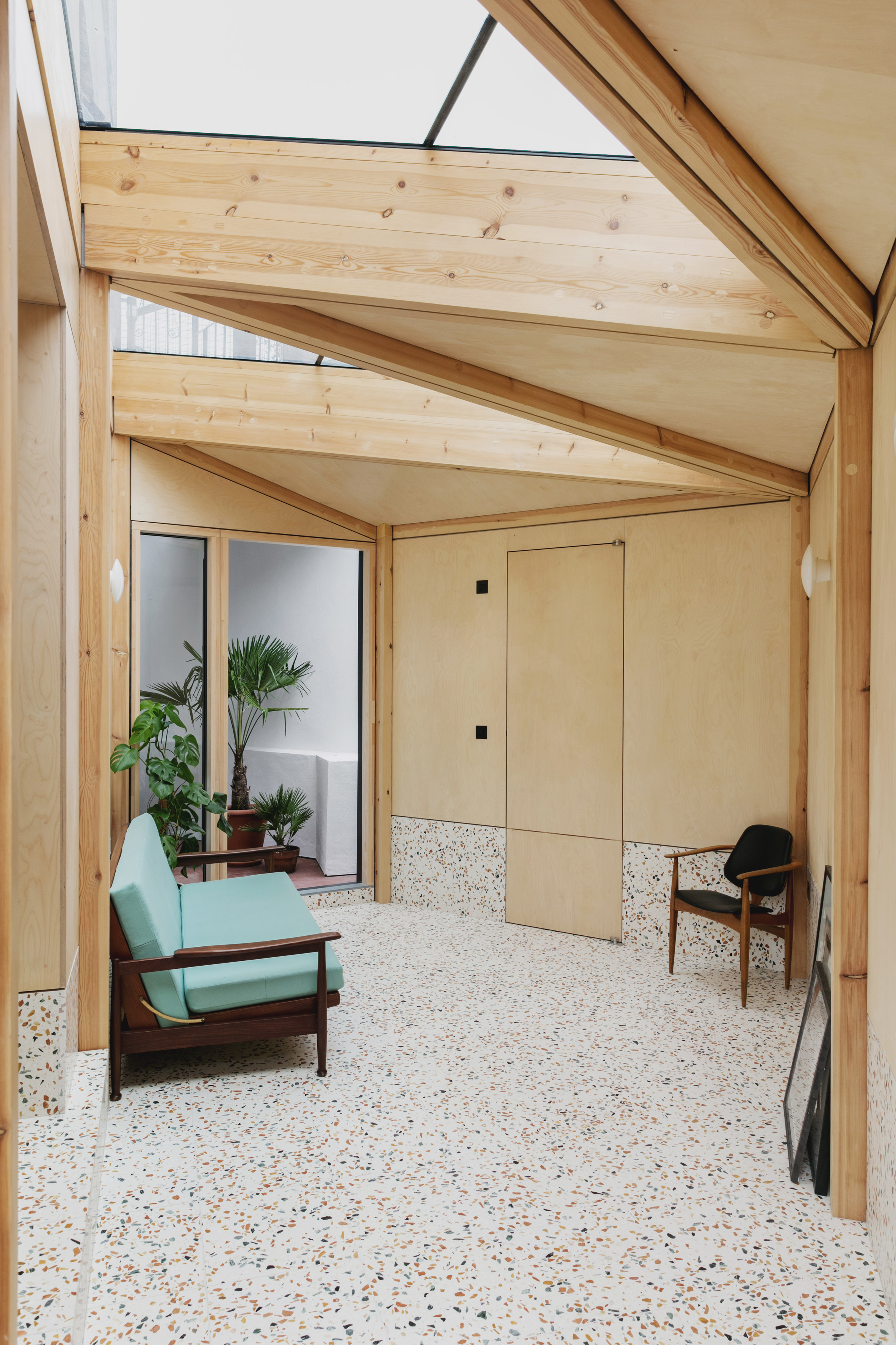 Montague Court extension by IF_DO