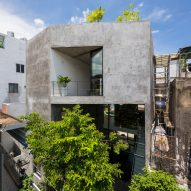 Sanuki Daisuke Architects builds light-filled house on dense urban plot in Vietnam
