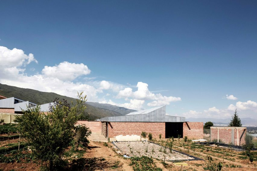 Dormitory in Bolivia by Ralf Pasel and CODE students
