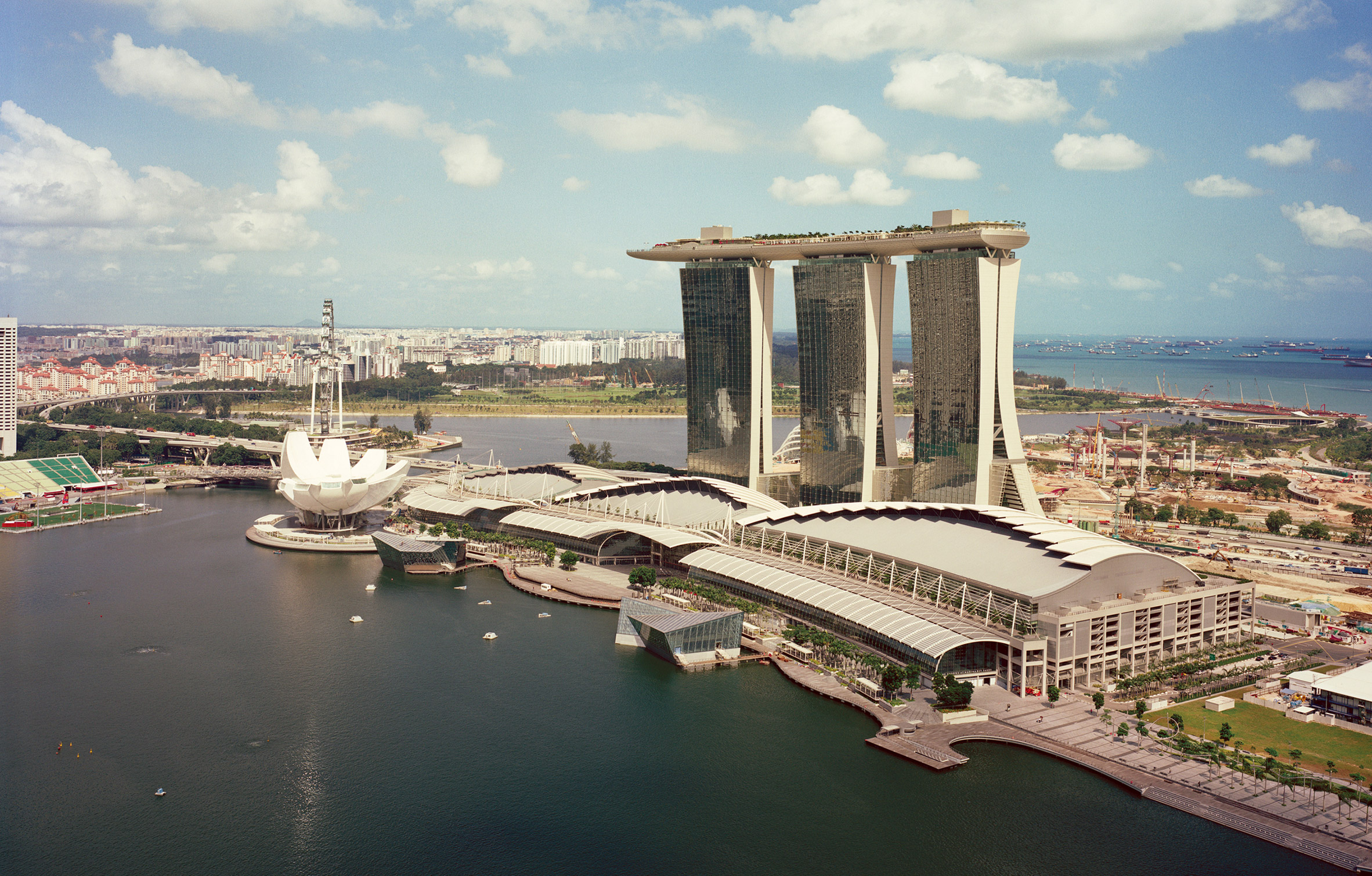 Marina Bay Sands by Safdie Architects