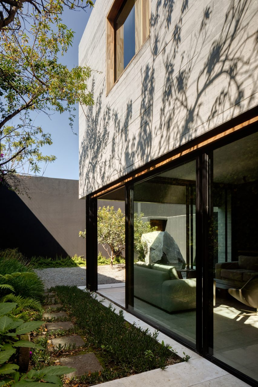 Sierra Fria Residence Mexico City by PPAA