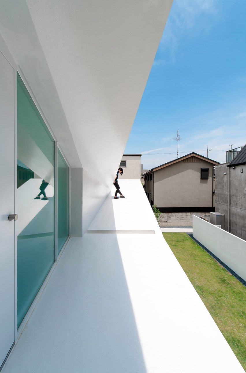 Topological Folding House by Takashi Yamaguchi & associates