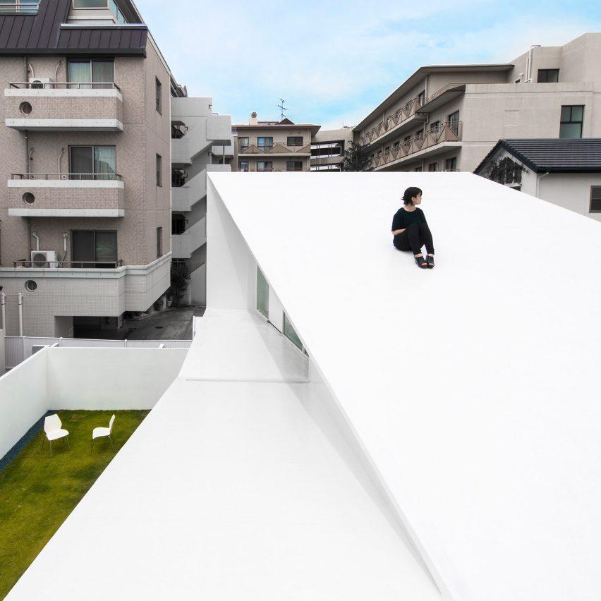 Takashi Yamaguchi & Associates designs house in Japan based on a Möbius loop