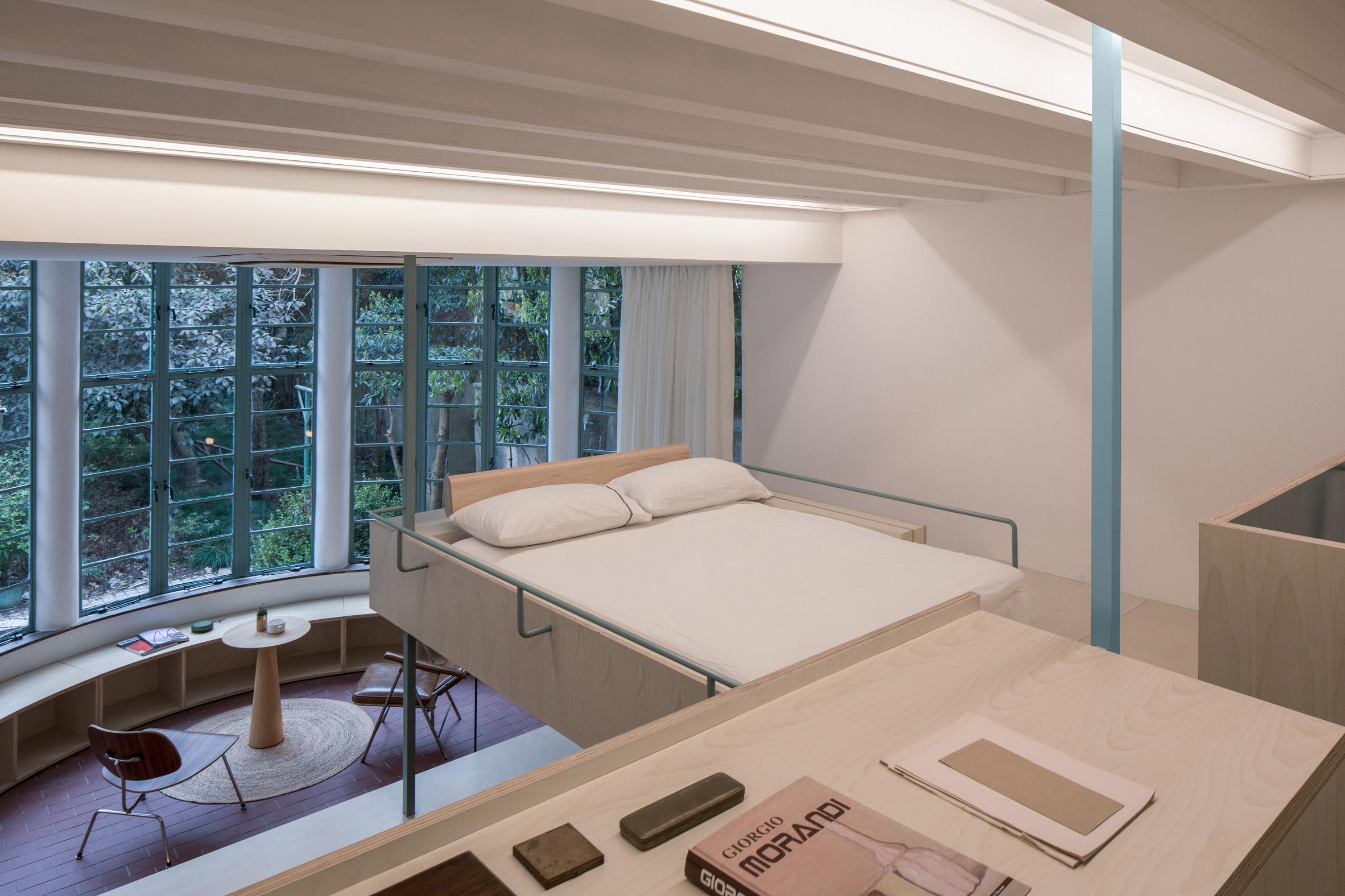 U-shape Room by Atelier Tao+C