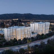 Frank Gehry designs iceberg-like headquarters for Warner Bros