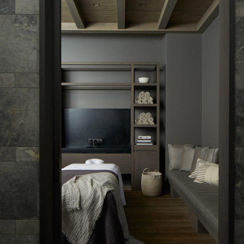 "Yabu Pushelberg's Las Alcobas Napa Valley hotel features ""spa-like"" bathrooms and homey dining"