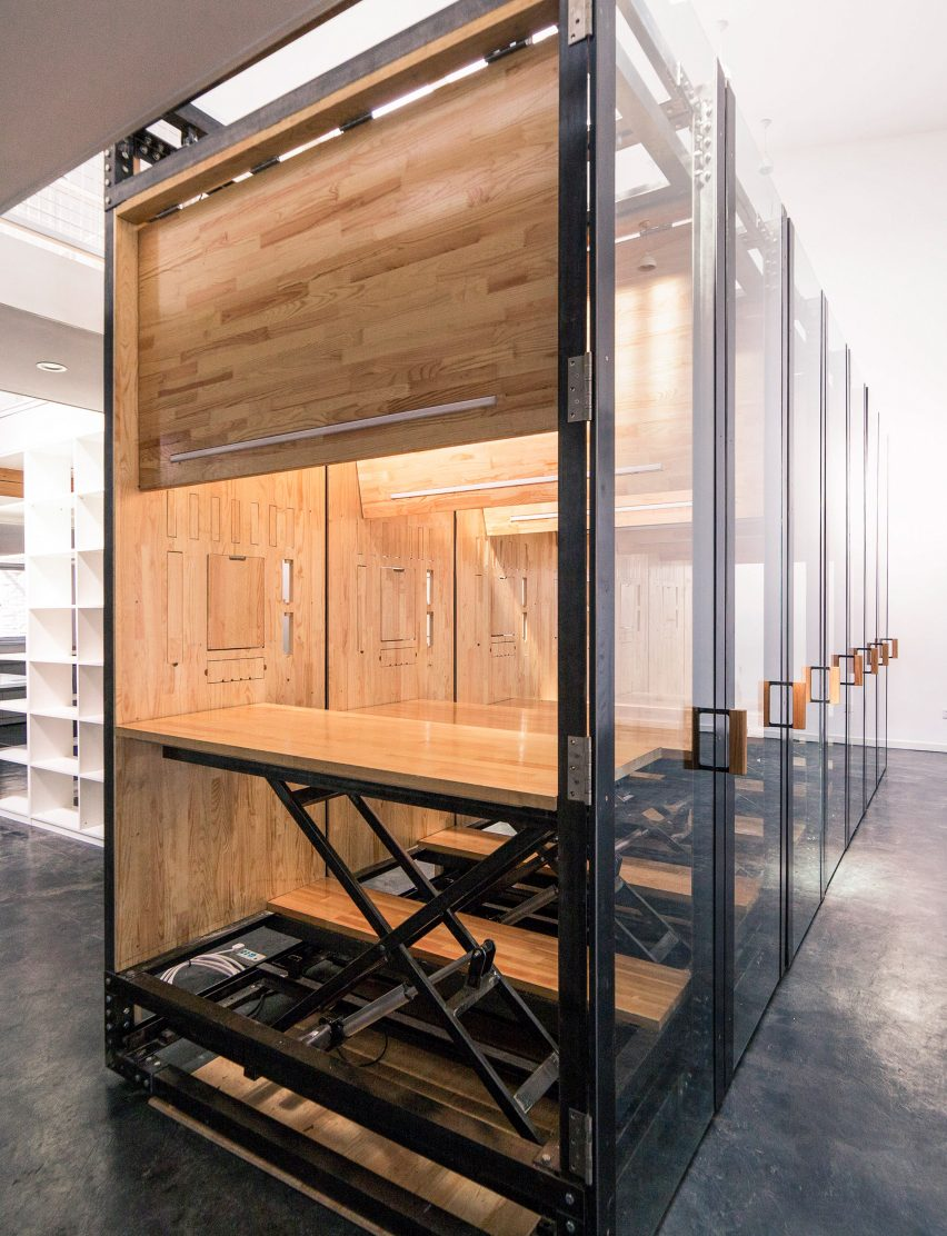 9.639 Inserted Variable Micro Office by LUO Studio