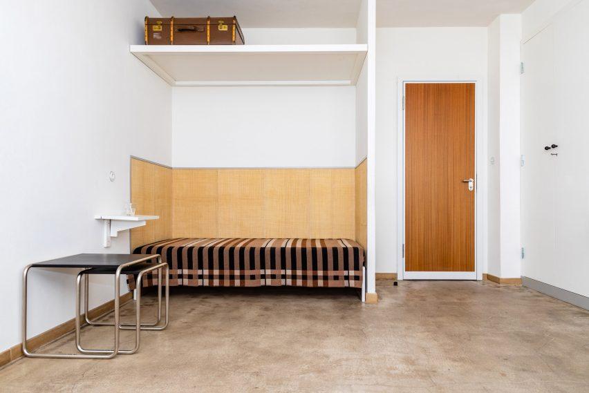 Wallace Sewell Bauhaus blanket Gunta Stölzl