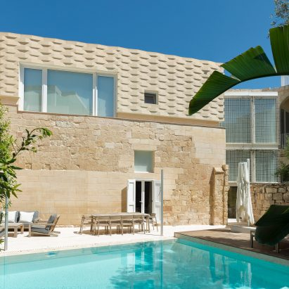 The Coach House by AP Valletta