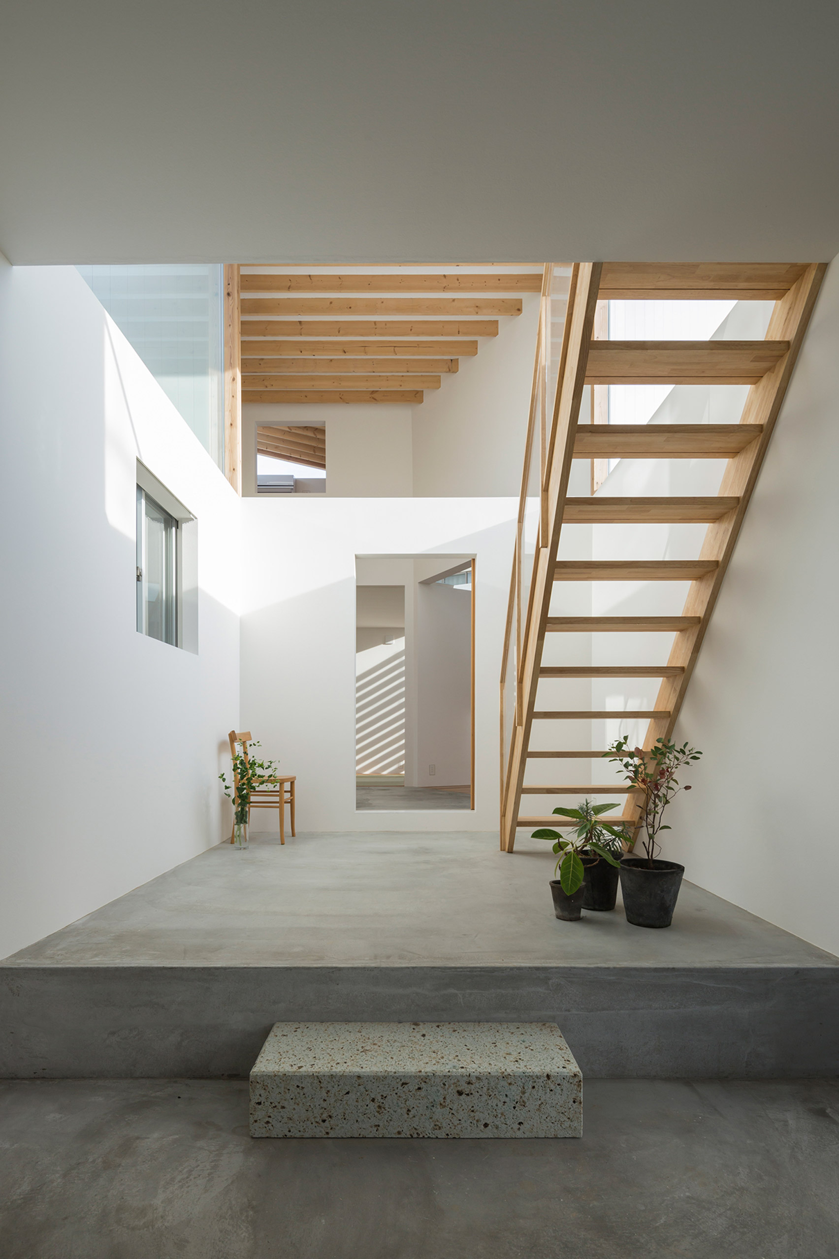 House in Hokusetsu by Tato Architects