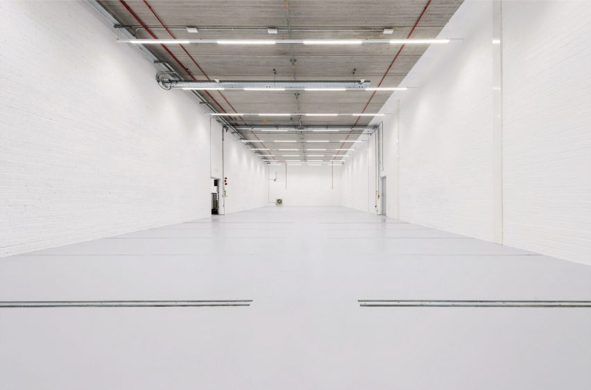 Imperial War Museum's IWM Paper Storein Duxford by Architype