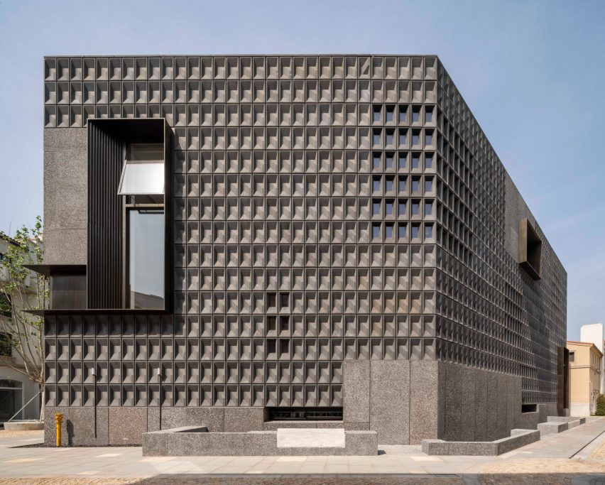 Neri&Hu reveals Aranya Art Center in Qinhuangdao