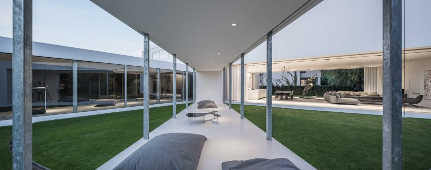 Moving terrace connects with living spaces at Robert Konieczny's Quadrant House