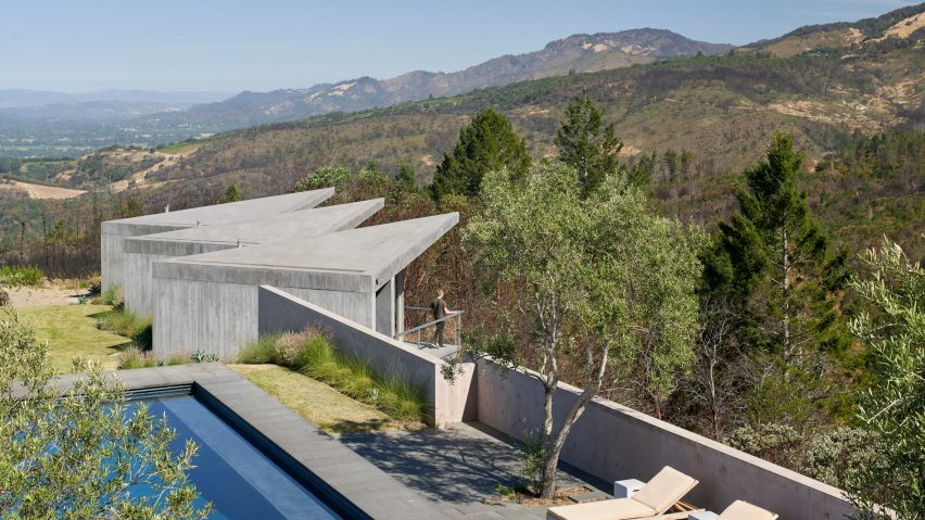Mork-Ulnes designs Ridge House to endure wildfires in northern California's wine country