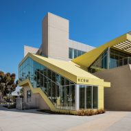 Bold yellow cladding enlivens media buildings at Santa Monica College by Clive Wilkinson