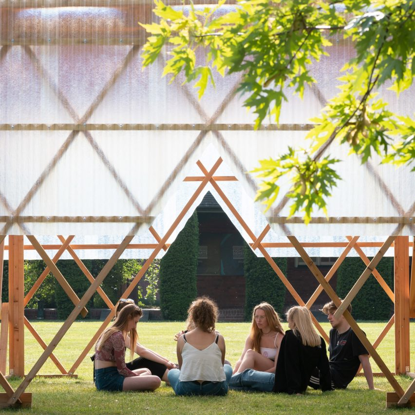 Invisible Studio and students build Urban Room pavilion as event space and outdoor classroom