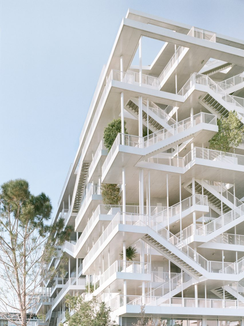 ANIS Office Building by Nicolas Laisné Architectes