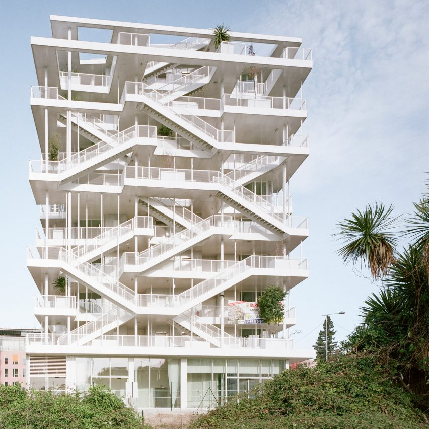 Inside-out Anis office block in Nice is covered in outdoor work spaces