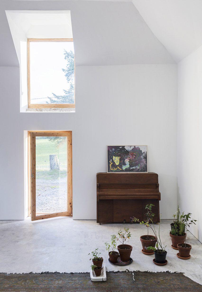 Aviemore Studio by Morales Finch