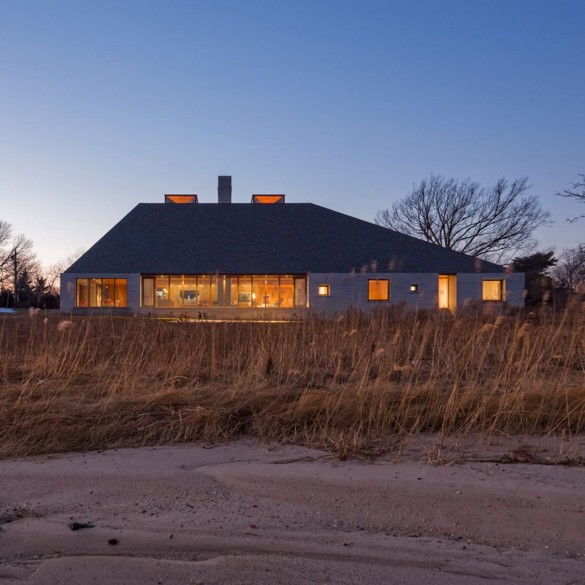 Studio Rick Joy tops Bayhouse in New England with a massive slate roof
