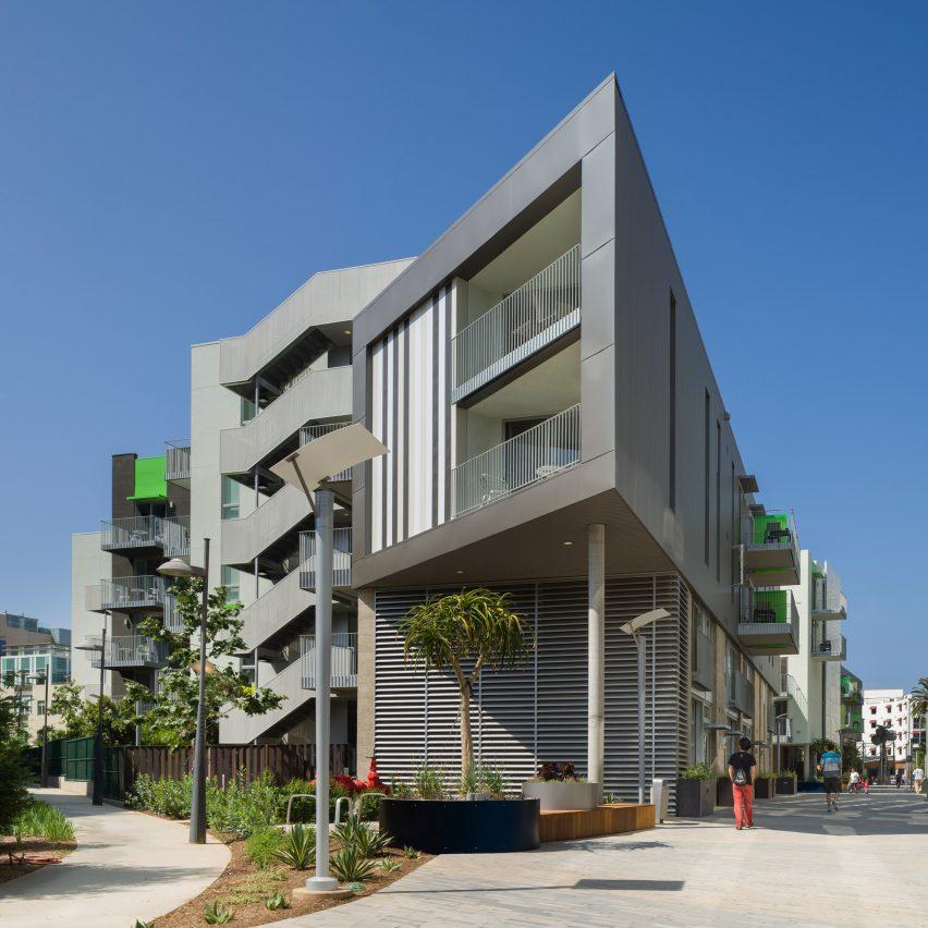 Belmar Apartments by KoningEizenberg