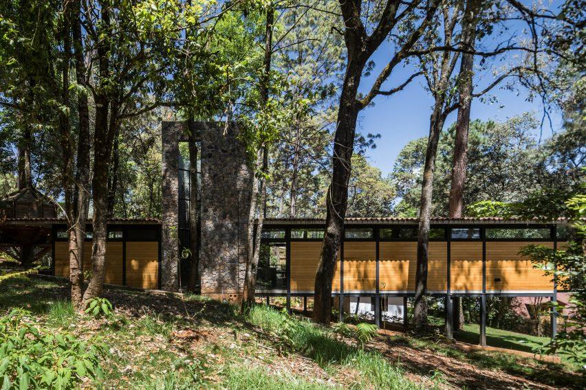 Casa Luzia by Saavedra Arquitectos in Avandaro, Mexico