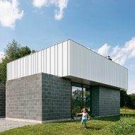 J_spy uses concrete blocks to form Catskills House in the New York countryside