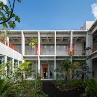 Lush gardens and courtyards feature in concrete Mexican business school EBC Aguascalientes