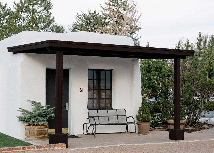 "El Rey Court motel in Santa Fe is redesigned to ""showcase its bones"""
