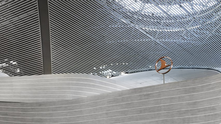 Flow Wall in Istanbul Airport designed by Softroom using parametrics