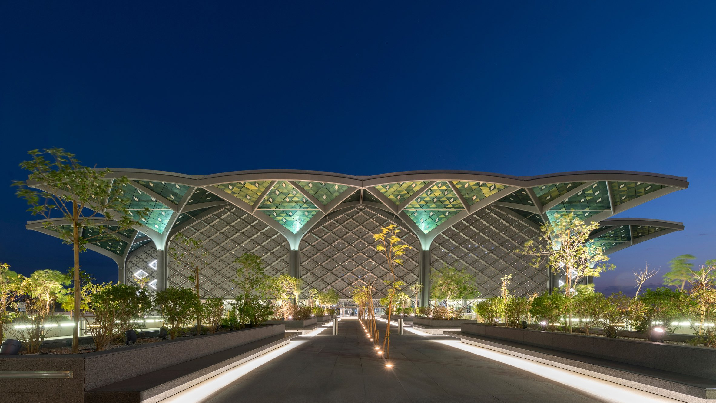 Foster + Partners builds Haramain high-speed rail stations