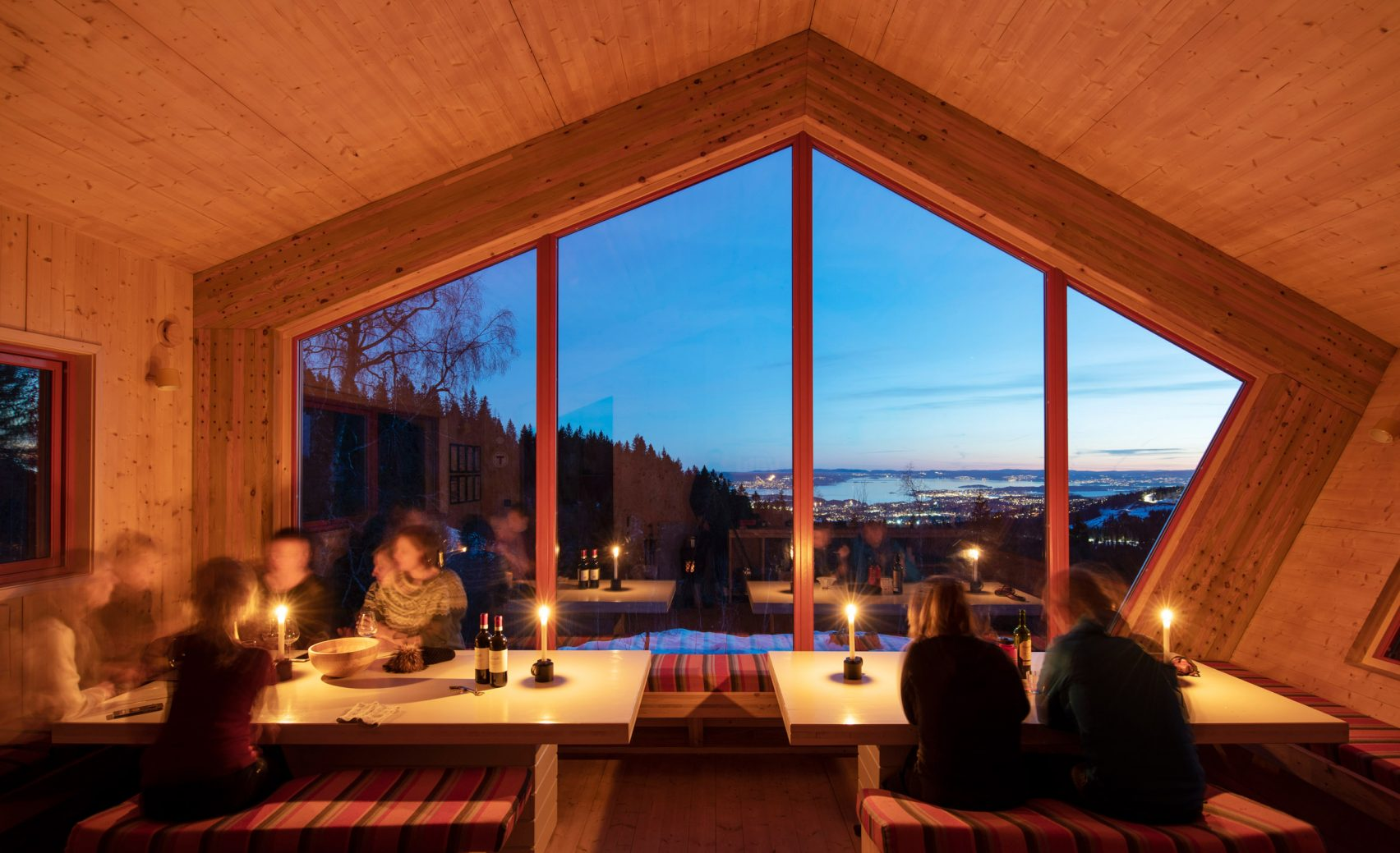 Fuglemyrhytta self-service cabin overlooking the Oslofjord in Norway by Snøhetta