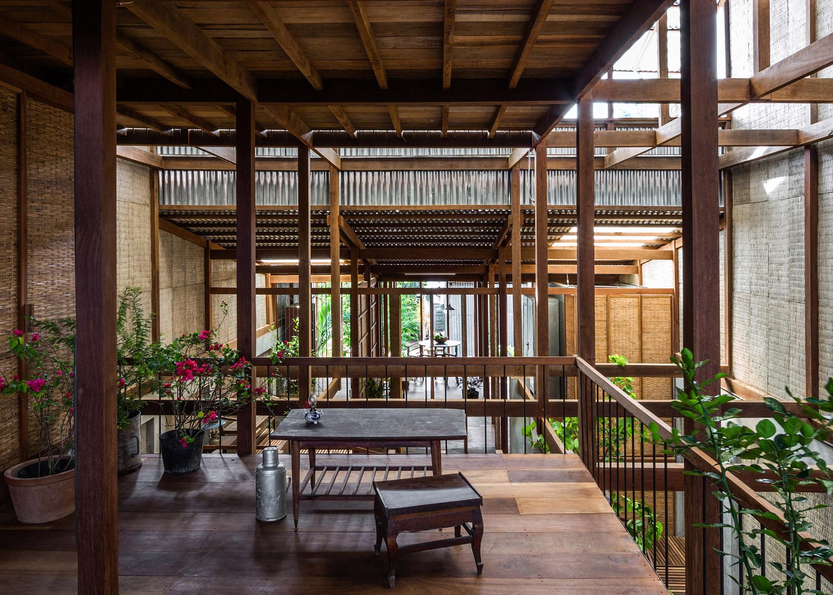 House Chau Doc by Nishizawa Architects