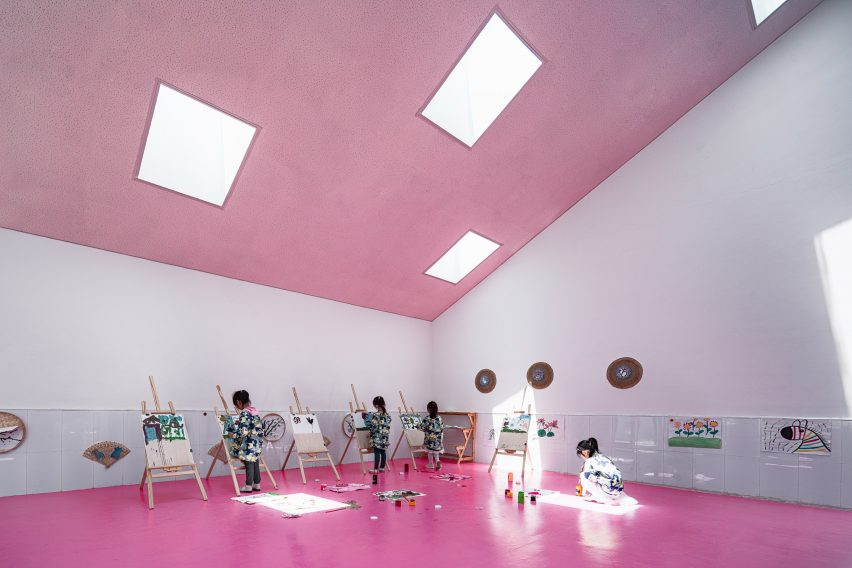 Jiangsu Beisha Kindergarten by Crossboundaries