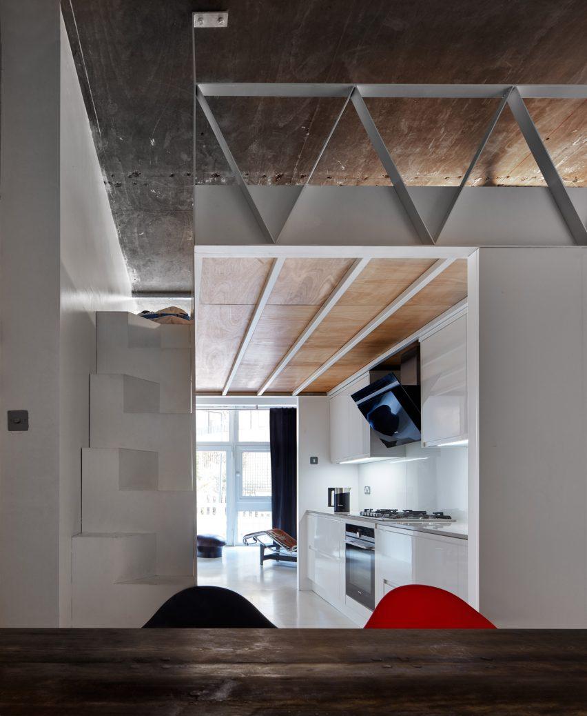 Martello Street apartment by Merrett Houmoller Architects